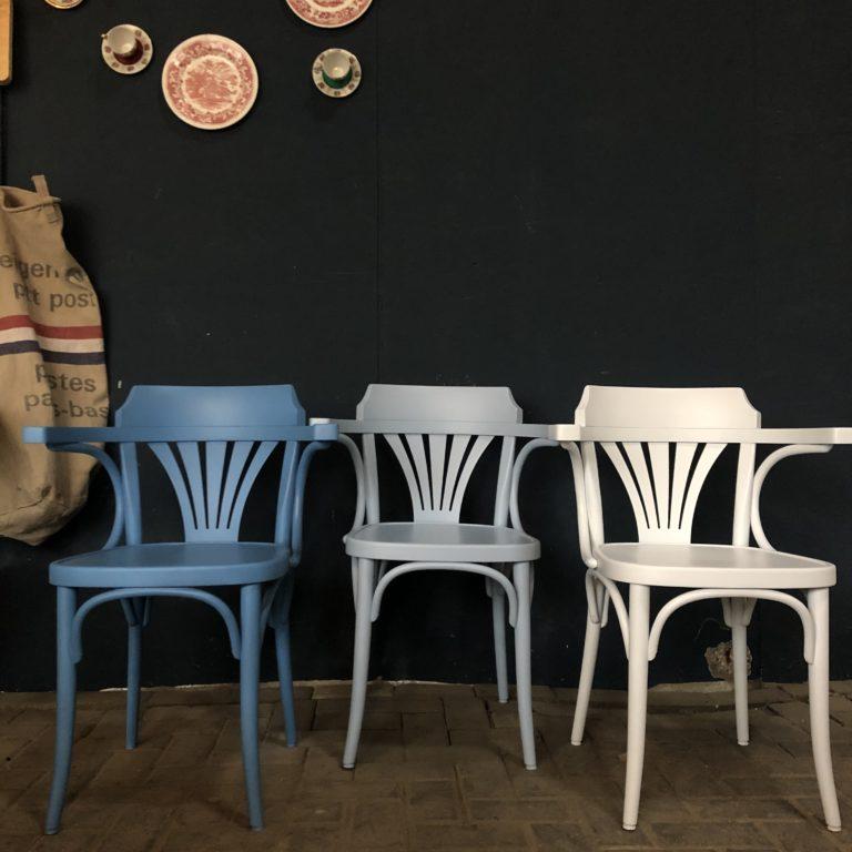 Cafestoel met armleuning