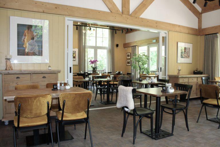 Caféstoelen en schoolstoelen