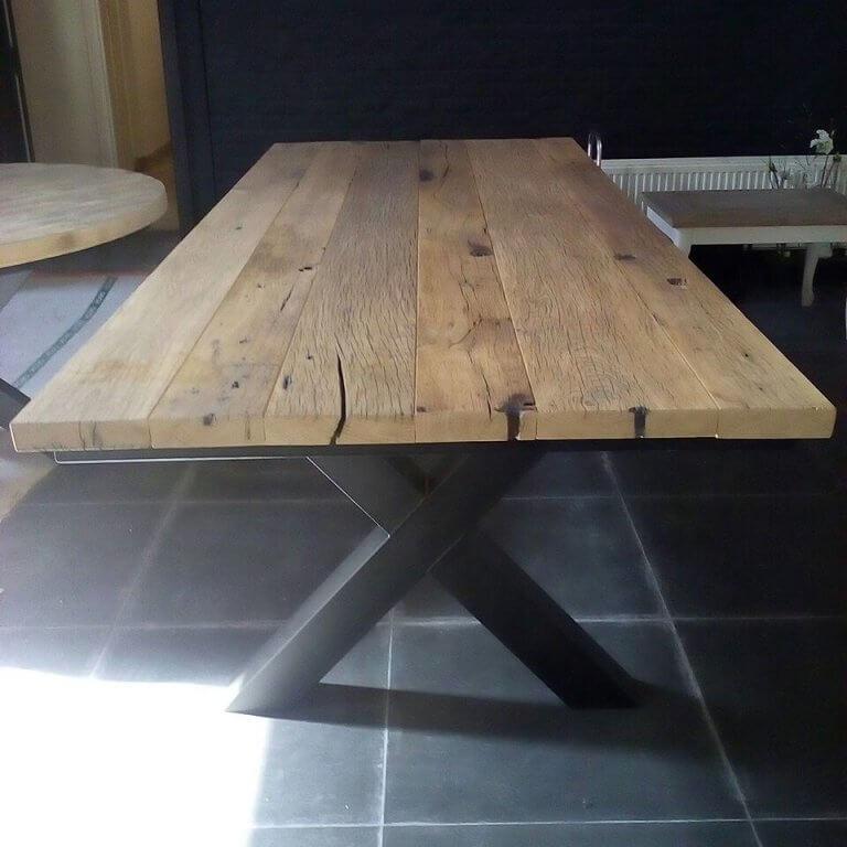 Wagon eiken tafel met stalen poot